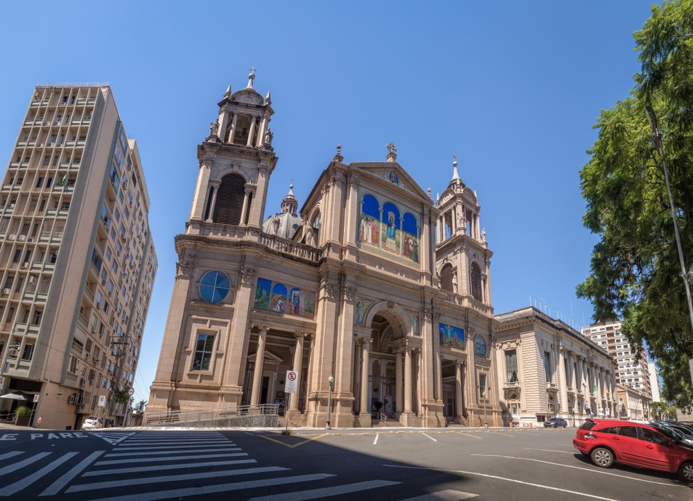 Fachada da Catedral Metropolitana de Porto Alegre, no Rio Grande do Sul   Crédito: Shutterstock