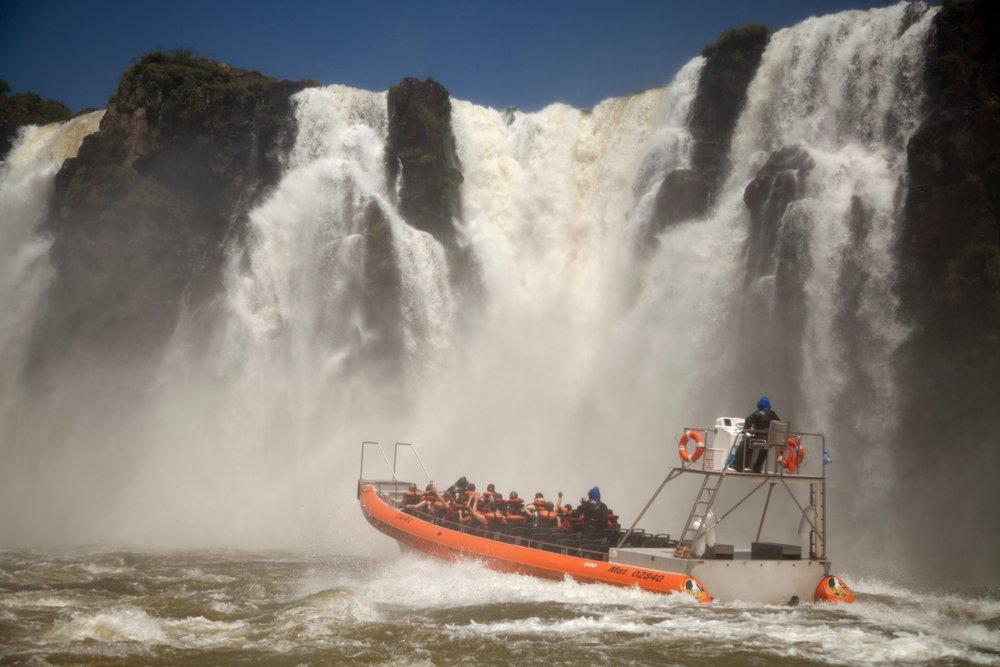 As Cataratas do Iguaçu, além de espetaculares, são ótimas para a prática de esportes   Crédito: Shutterstock