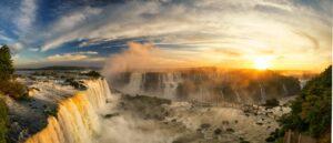 Quer ir pra Foz do Iguaçu agora que você já sabe onde se hospedar no Sul do Brasil? Então consulte um agente de viagens | Crédito: Shutterstock